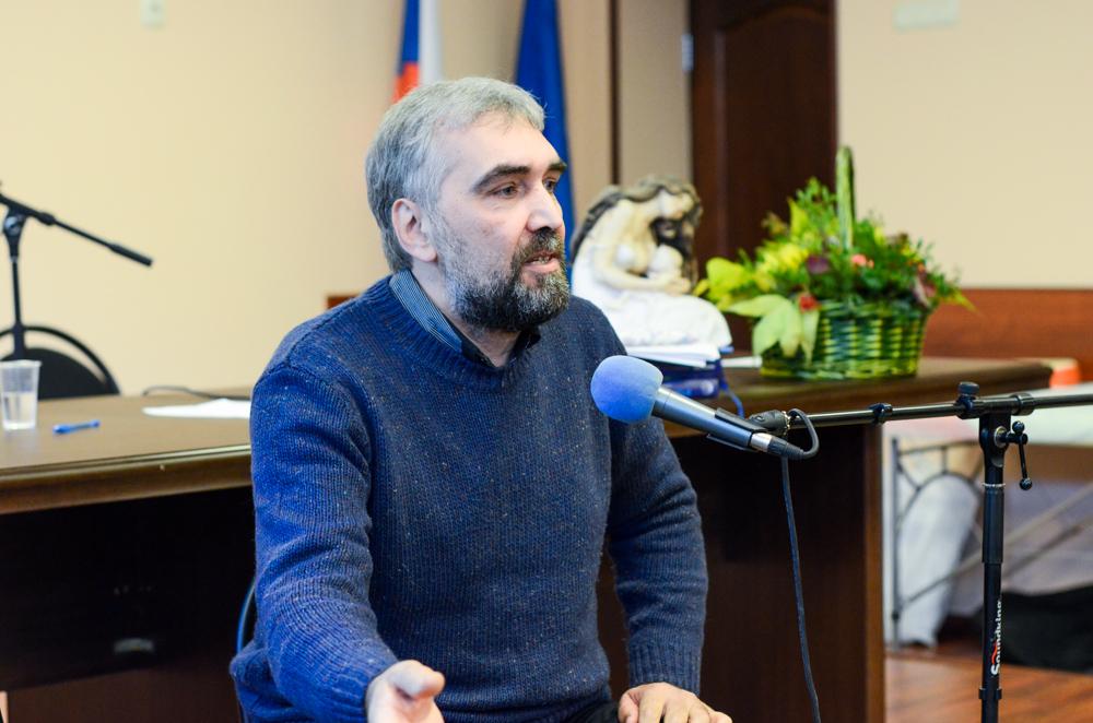 Михаил Головач невролог